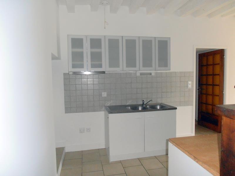 Location maison / villa Saint didier 725€ CC - Photo 4