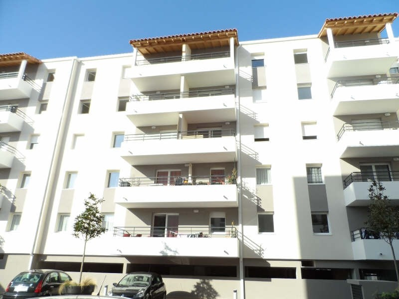 Rental apartment Sete 702€ CC - Picture 1