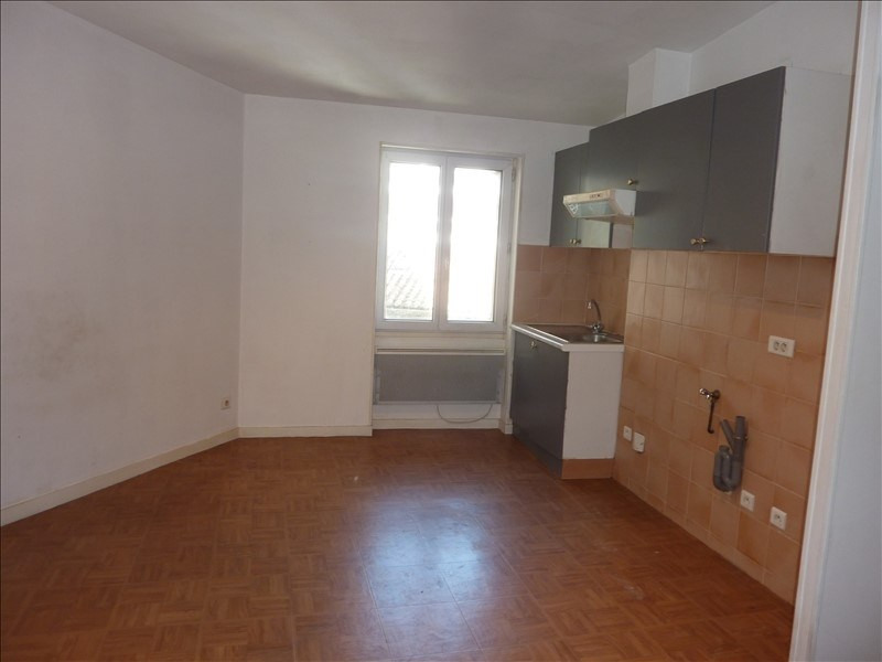 Rental apartment Marseille 1er 430€ CC - Picture 1