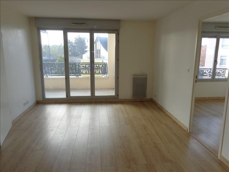 Rental apartment Bretigny sur orge 742€ CC - Picture 1