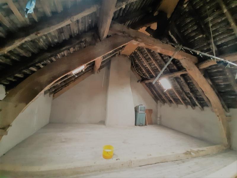 Sale house / villa Beaumont sur sarthe 34990€ - Picture 2