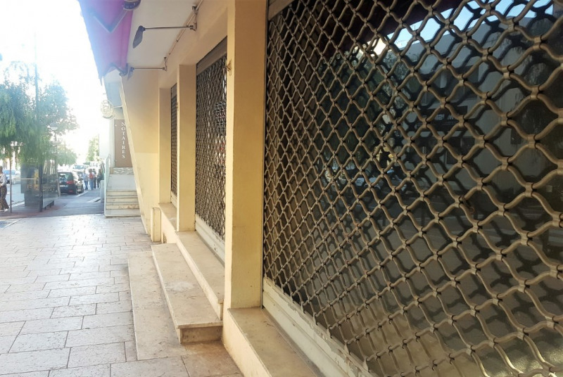 Vente local commercial Antibes 180 000€ - Photo 1