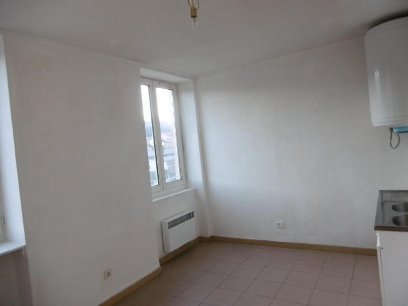 Location appartement Tarare 285€ CC - Photo 1