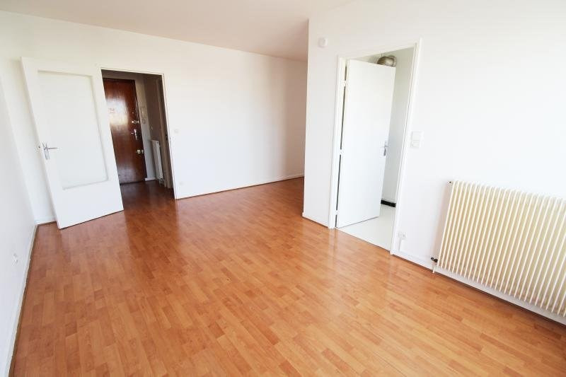 Location appartement Elancourt 623€ CC - Photo 2