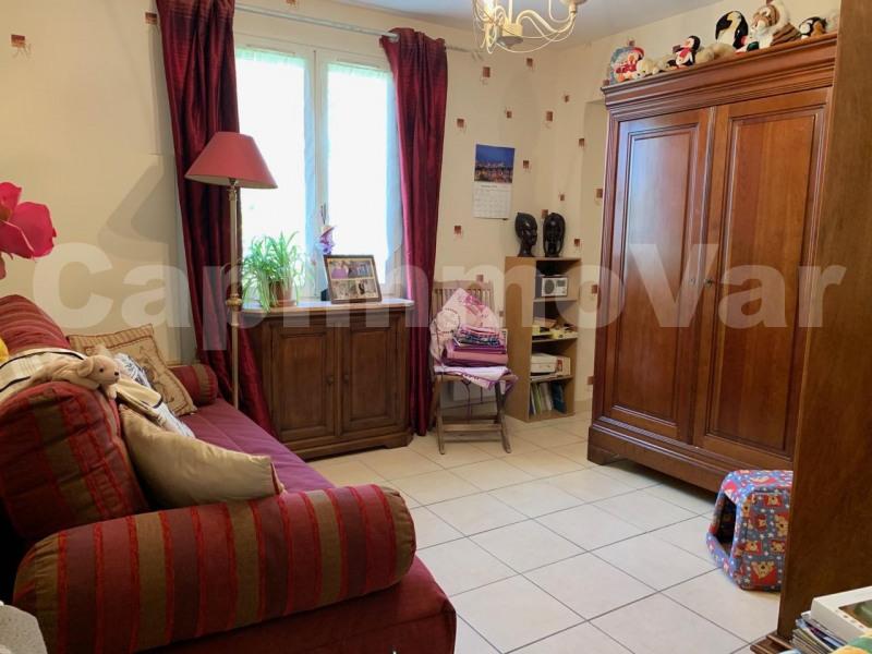 Sale house / villa Le beausset 390000€ - Picture 9