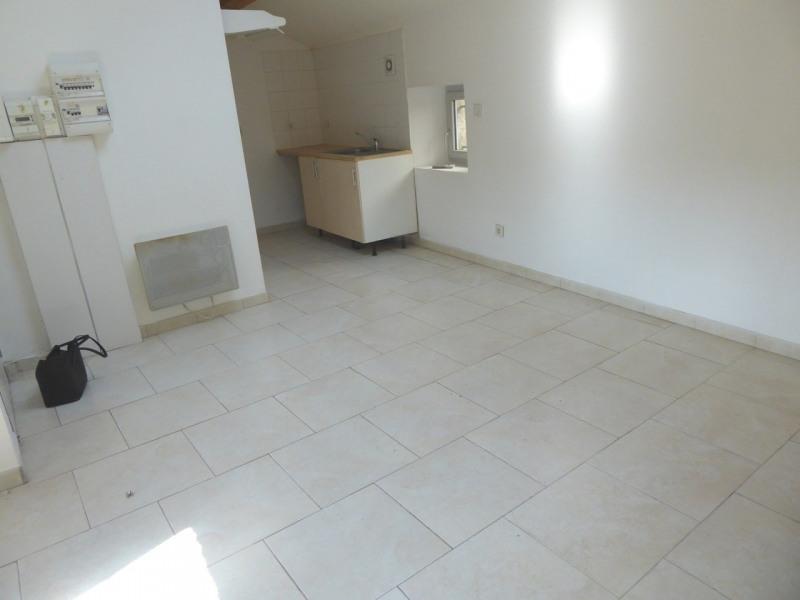 Location appartement Saint-germain 343€ CC - Photo 9