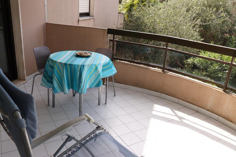 Location vacances appartement Cavalaire sur mer 500€ - Photo 5