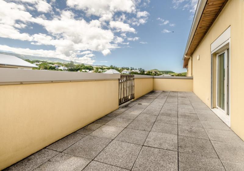 Location appartement Saint pierre 850€ CC - Photo 1