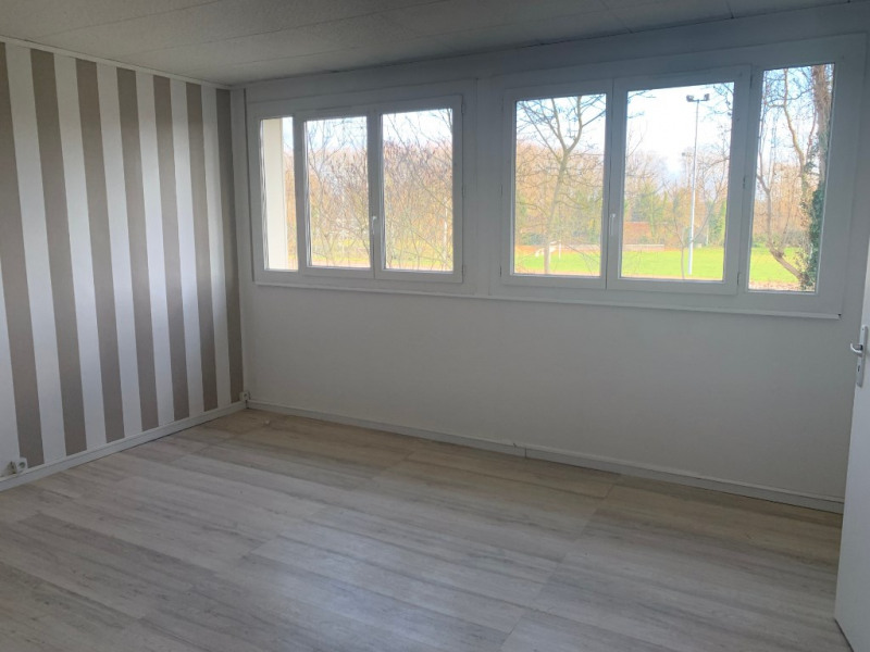 Rental apartment Carrieres sous poissy 831€ CC - Picture 3