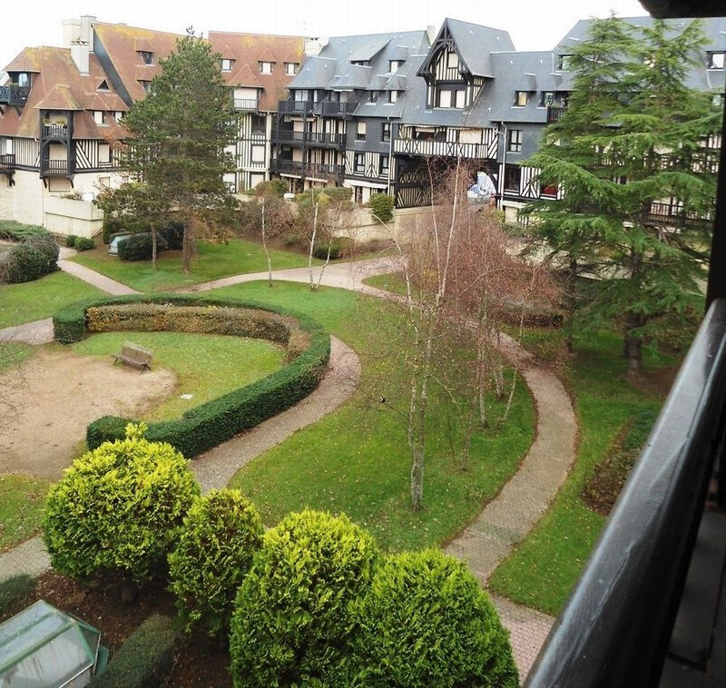 Sale apartment Deauville 445 200€ - Picture 1