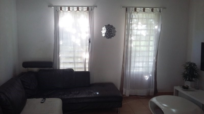 Rental apartment Les abymes 804€ CC - Picture 1