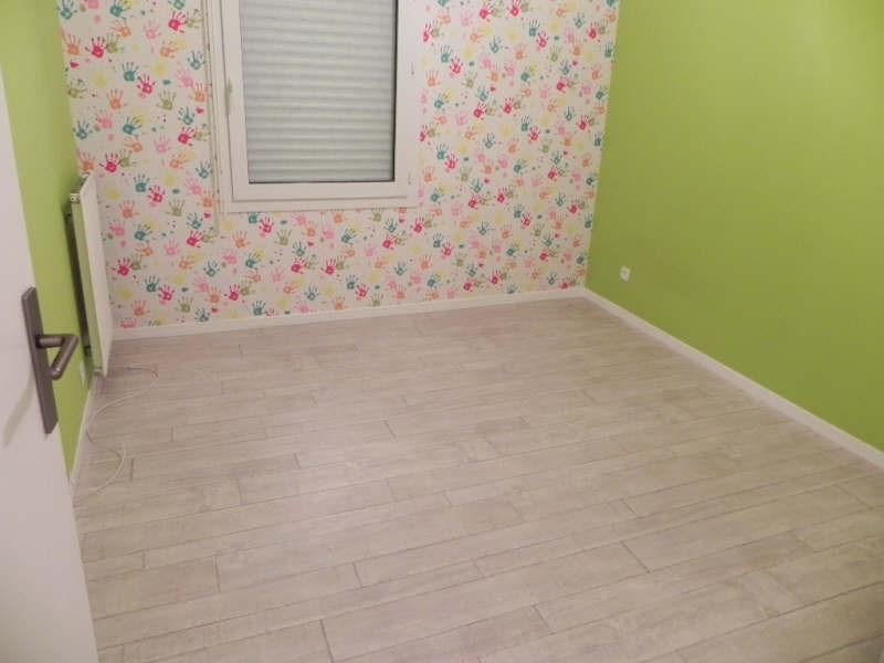 Locação apartamento Jouy le moutier 866€ CC - Fotografia 3
