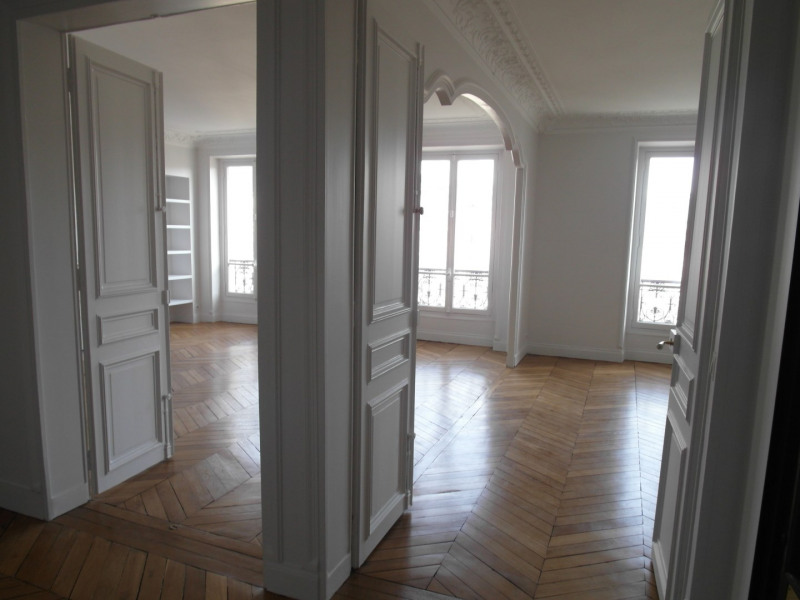 Location appartement Paris 11ème 2 500€ CC - Photo 3