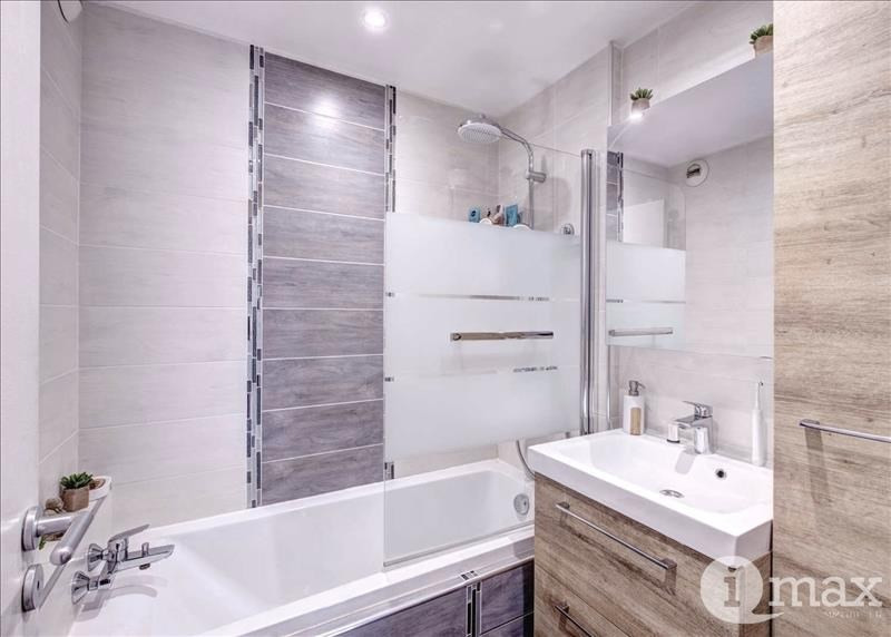 Sale apartment Courbevoie 490000€ - Picture 3