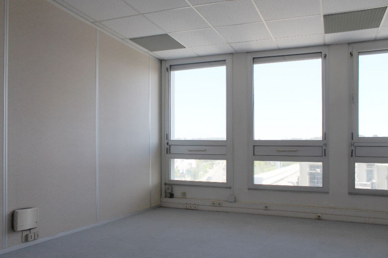 Rental office Aix en provence 535,80€ HC - Picture 1