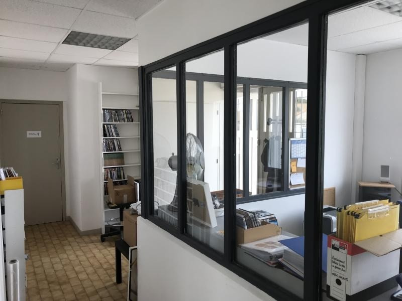 Location local commercial Guilherand granges 750€ HT/HC - Photo 2