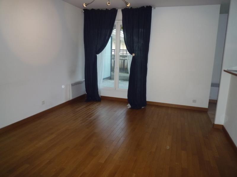 Rental apartment Le raincy 1240€ CC - Picture 2