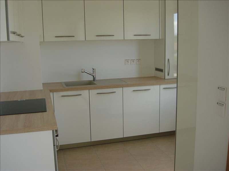 Rental apartment Divonne les bains 1208€ CC - Picture 2