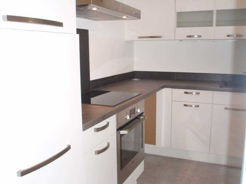 Rental apartment Viroflay 920€ CC - Picture 1