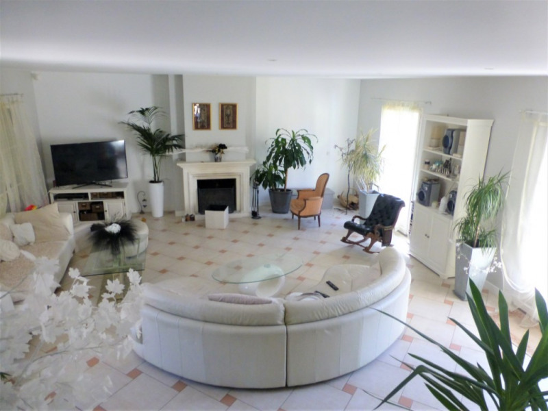 Location maison / villa Orgeval 3 500€ CC - Photo 3