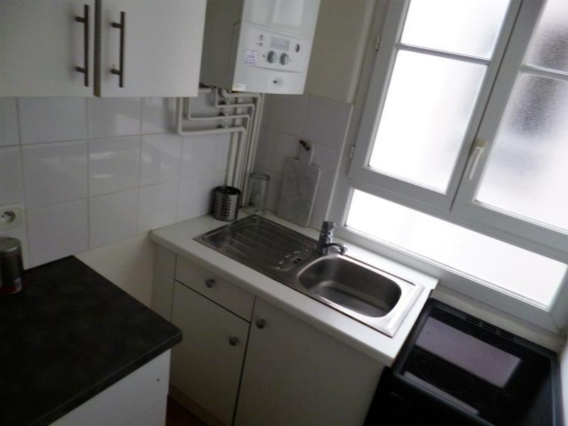 Verhuren  appartement Paris 18ème 1220€ CC - Foto 3