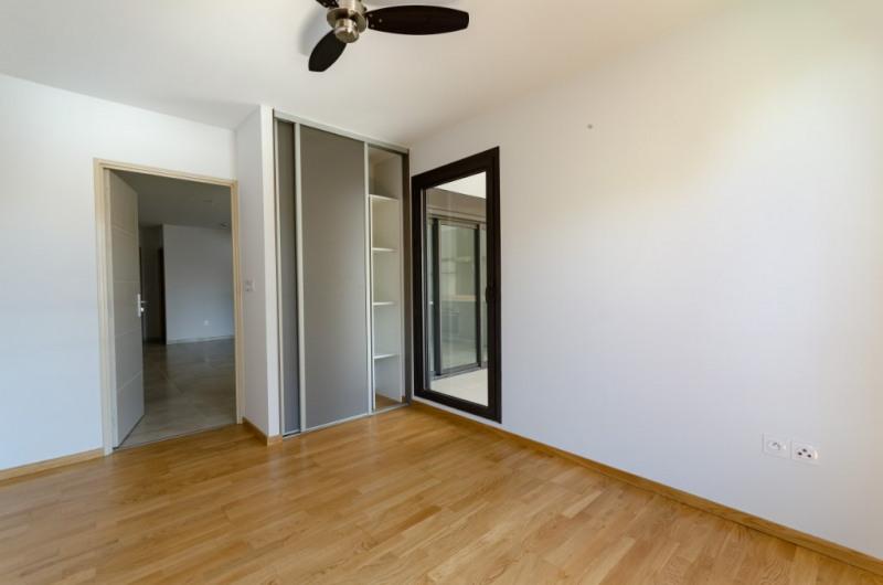 Rental apartment Saint pierre 885€ CC - Picture 3