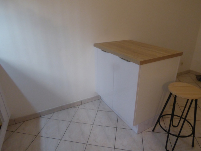 Location appartement Aubenas 461€ CC - Photo 3