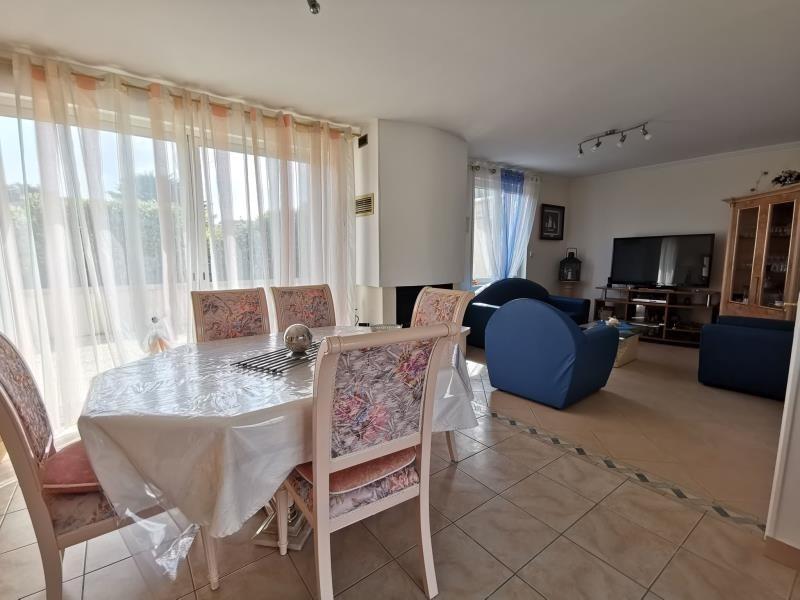 Sale house / villa St germain sur ay 315590€ - Picture 4