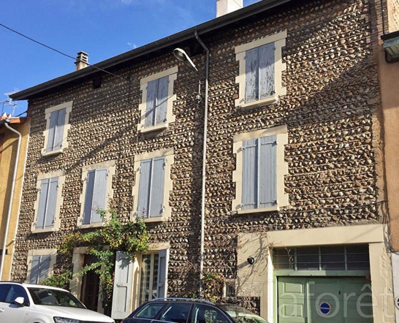 Sale house / villa La cote saint andre 149900€ - Picture 1