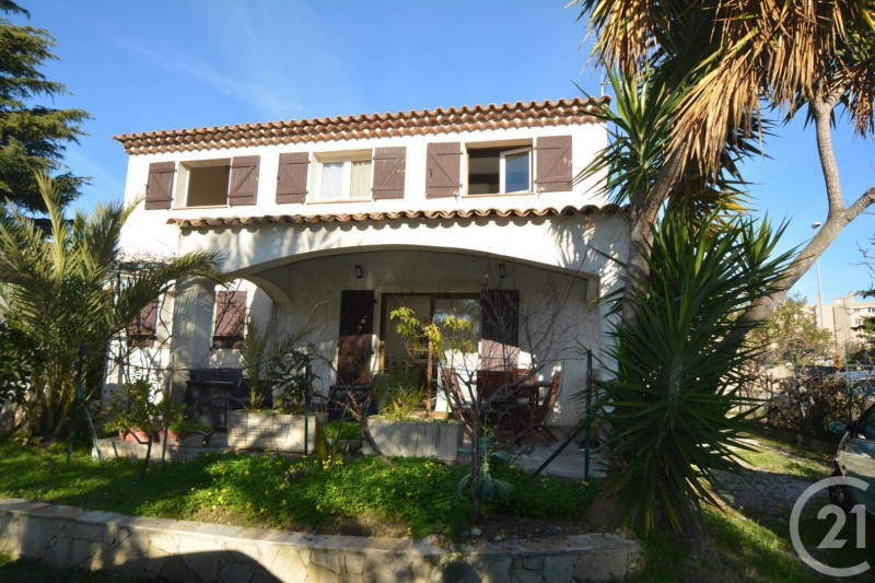 Deluxe sale house / villa Antibes 655 000€ - Picture 1