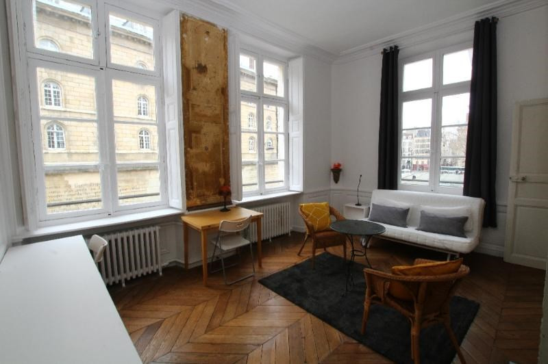 Location appartement Paris 6ème 2 090€ CC - Photo 3