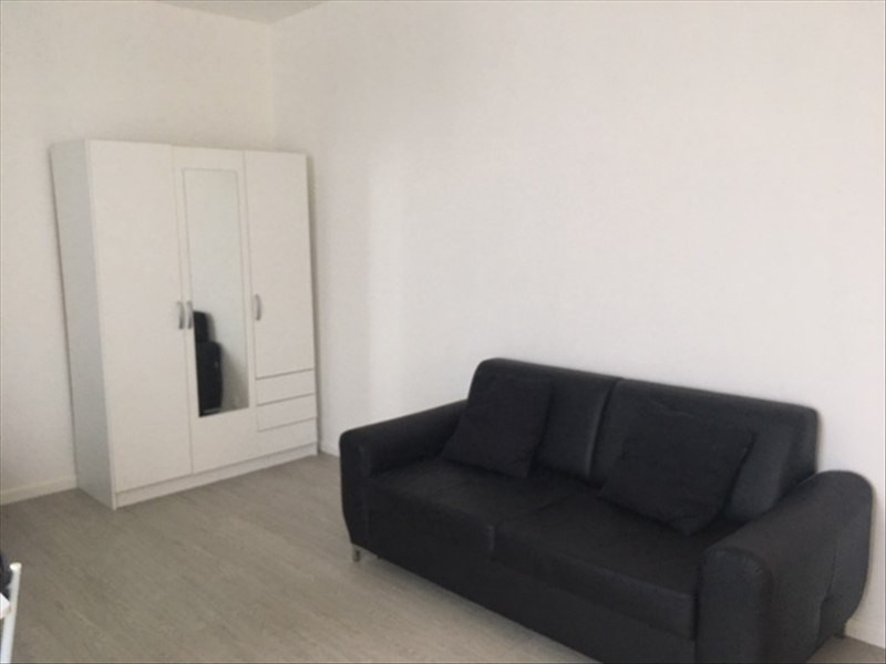 Location appartement Stains 675€ CC - Photo 3