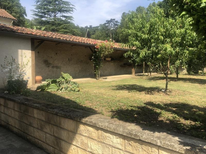 Location maison / villa Liguge 990€ CC - Photo 2