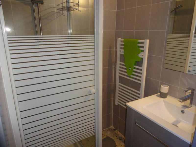 Vente maison / villa Althen des paluds 328000€ - Photo 8