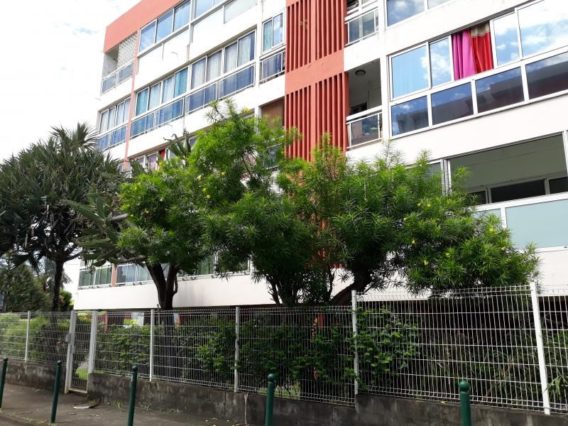 Sale apartment Saint denis 86500€ - Picture 3