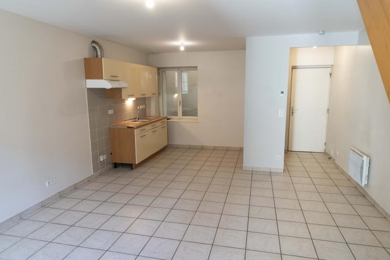 Location appartement Nantua 491€ CC - Photo 2