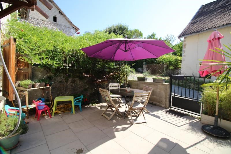 Vente maison / villa St genix sur guiers 159900€ - Photo 8