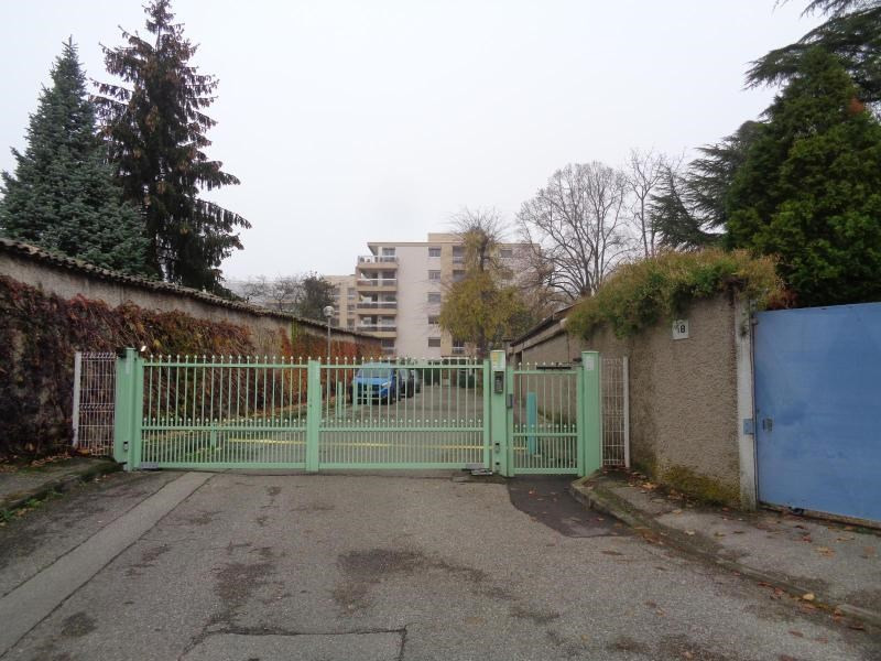 Location parking Caluire 125€ CC - Photo 2