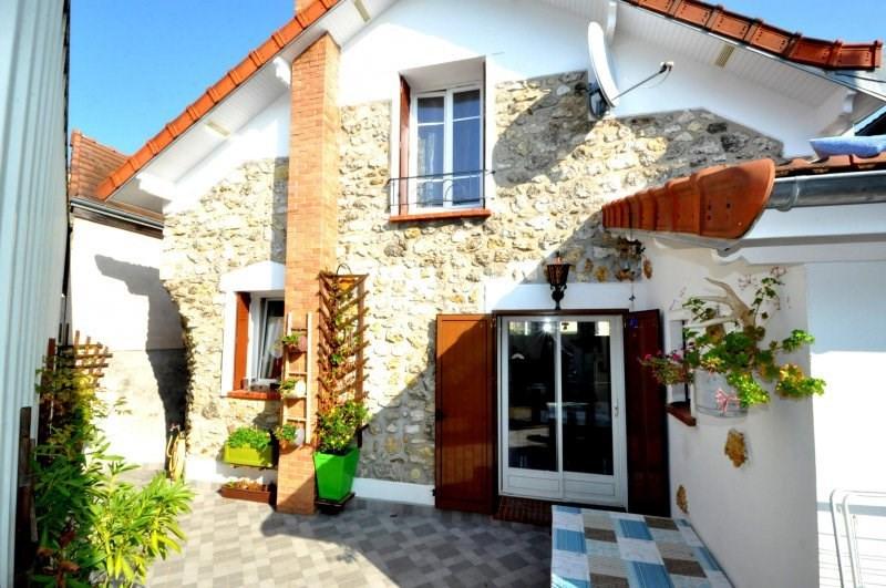 Sale house / villa Breuillet 239000€ - Picture 1