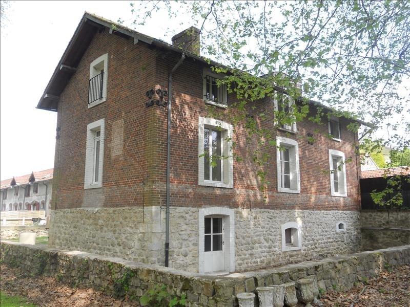 Location maison / villa Ermenonville 1180€ CC - Photo 1