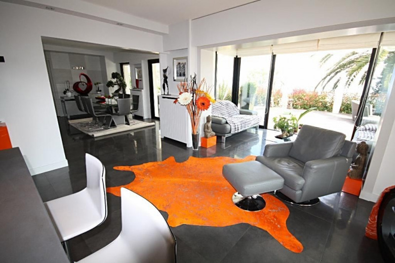 Deluxe sale apartment Golfe-juan 1 590 000€ - Picture 2