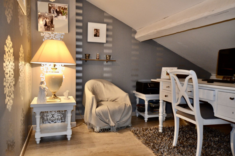Deluxe sale house / villa St etienne 636000€ - Picture 10