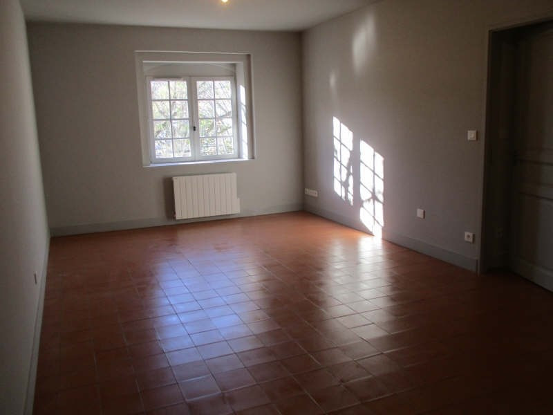 Rental apartment Nimes 752€ CC - Picture 2