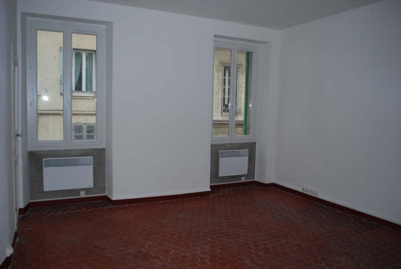 Rental apartment Marseille 6ème 490€ CC - Picture 1