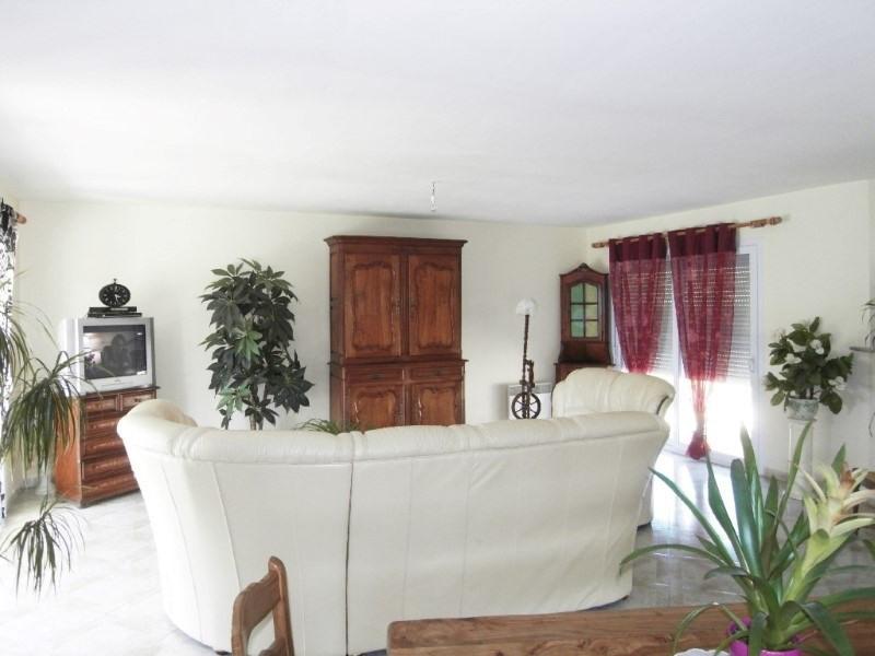 Rental house / villa Germignac 890€ CC - Picture 3