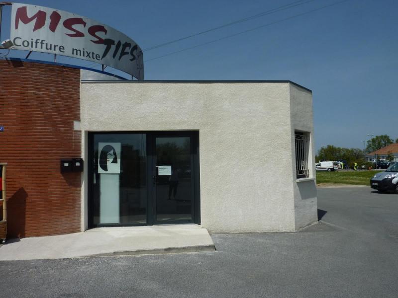 La Renaudié, local commercial de 30 m² avec vitrine et stationne