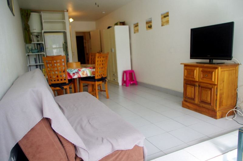 Investment property apartment St gilles les bains 147500€ - Picture 2