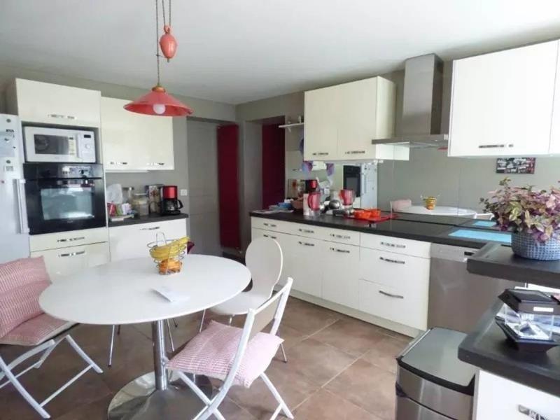 Sale house / villa Montfort l amaury 529000€ - Picture 4