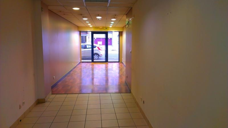 Location local commercial Nantua 250€ HT/HC - Photo 3