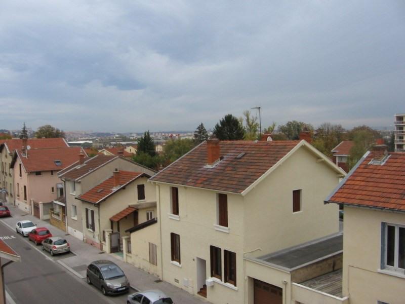 Verhuren  appartement Oullins 422€ CC - Foto 3